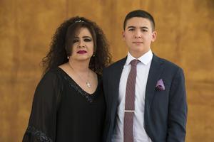 24052021 Mauricio de la Garza con su madrina Elisa de la Garza.