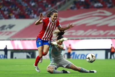 Duelo Chivas vs Tigres Femenil en Final de ida