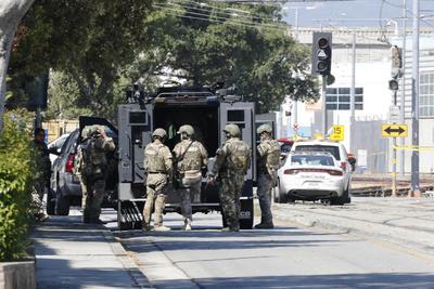 Luto y alerta por tiroteo en el centro de San José en California