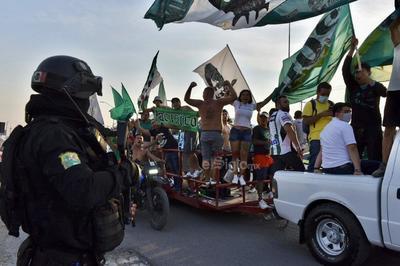 Afición de Santos Laguna vive ambiente de triunfo