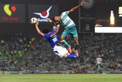 Santos Laguna cae ante Cruz Azul en la ida de la final del Guardianes 2021