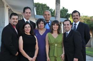 30052021 Virginia Carson de Amozurrutia con sus hijos Ricky, Paco, Earl, Eddy, Claudia, Vicky y Rafa.