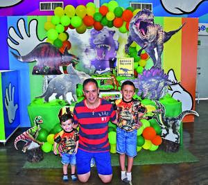 30052021 Paco Amozurrutia Carson festejando los cumpleaños de Emilio y Santiago Amozurrutia