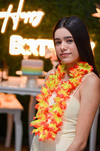 FIESTA. Susana García Hidrogo celebró sus 18 años con una fiesta temática junto a sus amigos.