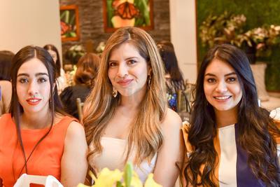 Itzel Samaniego, Cristina Gómez y Lupita Reyes.
