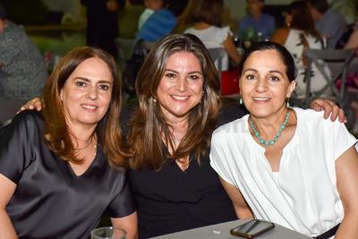 Elvira, Lorena y Tensy.