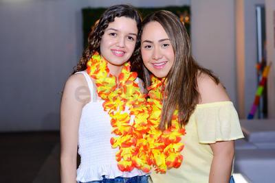 Karem Soto y Camila Murra.