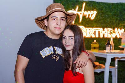 Fernando Arellano y Kiara Gilio.