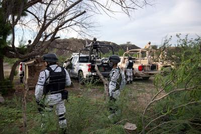 Todavía la Fiscalía General del Estado (FGE) no ha informado nada al respecto y ya pasa del medio día, y se cumplen 24 horas del accidente que tiene consternada a la gente de la Cuenca Carbonífera y de Coahuila.