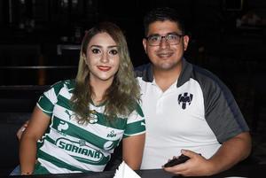 10062021  Karen Muñoz y Carlos Reyna.