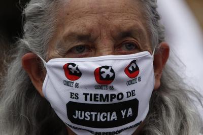 Conmemoran 50 años del 'Halconazo' con marcha en CDMX
