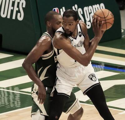 Bucks resisten embate de Nets en triunfo