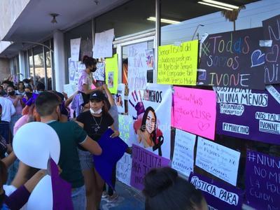 Se 'desbordan' en las calles de Matamoros para exigir justicia por feminicidio de Ilse Ivón