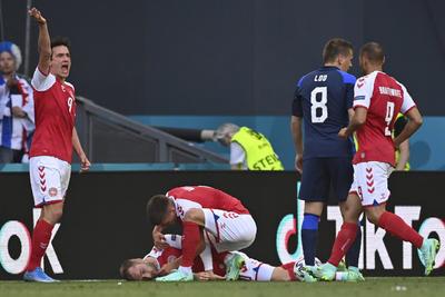 Christian Eriksen se desvanece durante partido de la Euro 2020