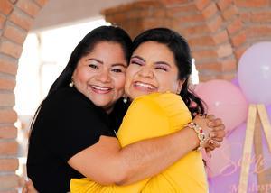 14062021 Despedida de soltera de Sandra Guadalupe Escobar, acompañada de la organizadora, su hermana Yadira Escobar.