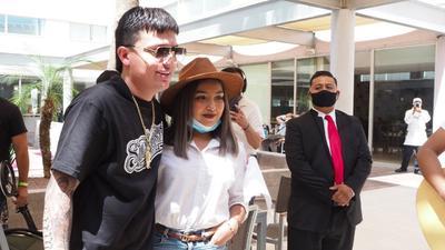 Laguneros le dan emotiva sorpresa a Imanol de Los Dos Carnales