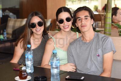 Valeria, Ana Lucía y Alejandro.
