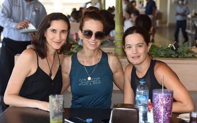 Alejandra, Sofía y Mayte.