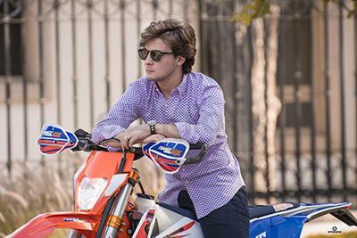 Esa pasión lo que lo llevó a interesarse en el motocross y enduro.