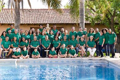Convención familia Ávalos.