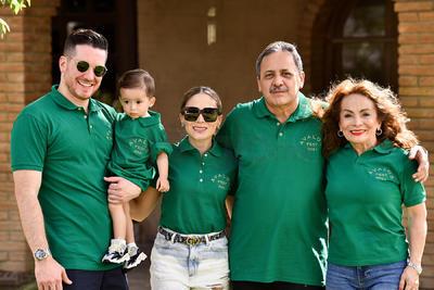 Rodolfo Ávalos, Élida Abreu, Carolina Ávalos, Enrico Arzapalo y Enrico Arzapalo Jr.