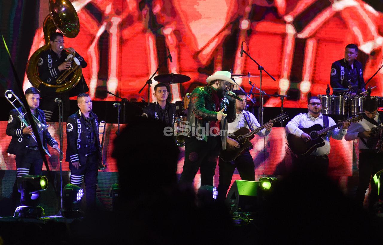 Los Dos Carnales deleitan a sus fans con show en Torreón