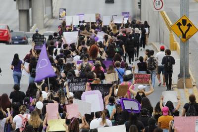 Laguneras marchan 'Vivas y sin miedo' ante feminicidios en la región