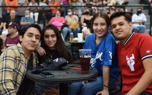 25062021 Arnoldo, Victoria, Sofía y Mario.