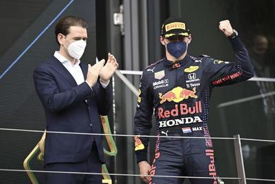 Verstappen gana el Gran Premio de Estiria; 'Checo' Pérez finaliza cuarto