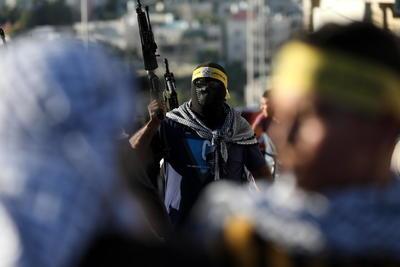 Milicianos de Fatah salen a Hebrón en apoyo a la Autoridad Nacional Palestina