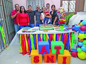 28062021 Celebrando el primer cumpleaños de Santiago Ismael, familia García Vaquera y Antonio Ríos.