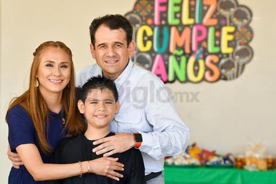 Celebran cumpleaños de Gael Miguel Mijares Zamora.