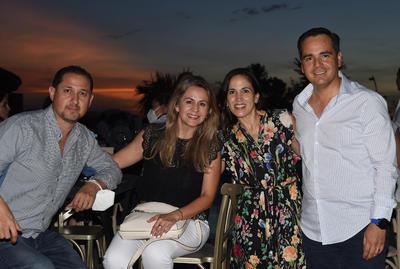 Ernesto, Dely, Elisa y Beto.