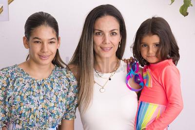 Sofía, Catalina y Luisa Escalera.