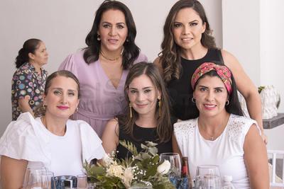 Navya, Maru, Ana Lucía, Emmy y Ale.