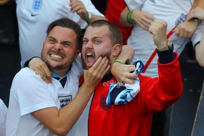 Quarter final England vs Ukraine  London (United Kingdom United Kingdom), 03/07/2021.- England supporters react as they watch a public viewing of the UEFA EURO 2020 quarter final soccer match between England and Ukraine, in Boxpark, Croydon, London, Britain, 03 July 2021. (Ucrania, Reino Unido, Londres) EFE/EPA/VICKIE FLORES DEP Fútbol GBR LONDON BRITAIN SOCCER UEFA EURO 2020 United Kingdom