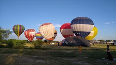 Festival internacional de Globos Aerostáticos 'Acuña  Vuela'