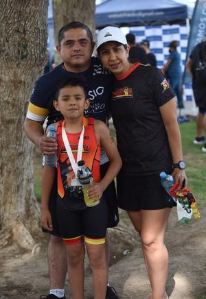 03072021 Felipe García, Emiliano García y Ana Sofía Rodríguez.