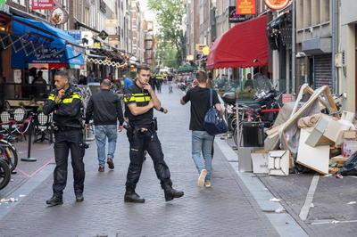 Periodista neerlandés se encuentra en estado grave tras recibir disparos en Ámsterdam