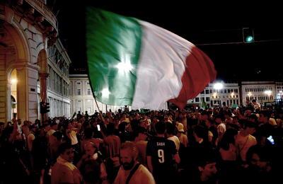 Así celebró la afición el pase a la final de la Euro de Italia