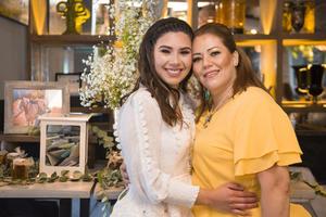 10072021 Deniz Hernández con su madre Rosy Mayorga.