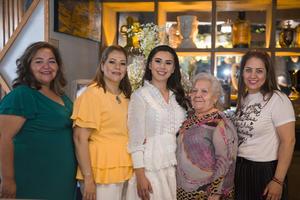 10072021 Deniz Hernández con su tía Blanca Mayorga, su madre Rosy Mayorga, su abuela Flora Castro y su tía Luz Mayorga.