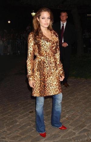 12072021 Angelina Jolie.