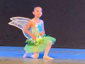 11072021 María Fernanda en su presentación de academia de baile.