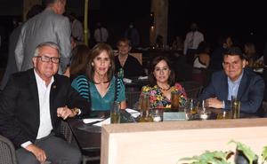 13072021 Enrique y Cecilia Menéndez, Pilar y Fernando Marroquín.