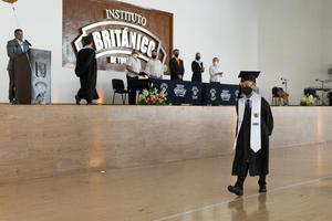 14072021 Alumnos celebran su graduación de primaria.
