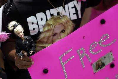 Juez permite a Britney Spears elegir a su propio abogado en su caso de tutela