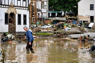 Tanto Greenpeace como la activista medioambiental sueca Greta Thumberg han alertado de que las devastadoras inundaciones son consecuencia de la crisis climática y advertido de que éstas son solo el principio de una serie de fenómenos similares.