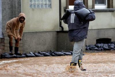 En enero de 1995 Alemania sufrió unas inundaciones, que se extendieron a Francia, Bélgica, Países Bajos, Luxemburgo y Reino Unido, y que dejaron una treintena de muertos.