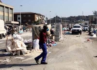 Sudáfrica restaura la calma tras disturbios que dejaron 117 muertos